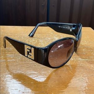 Fendi oversized Sunglass